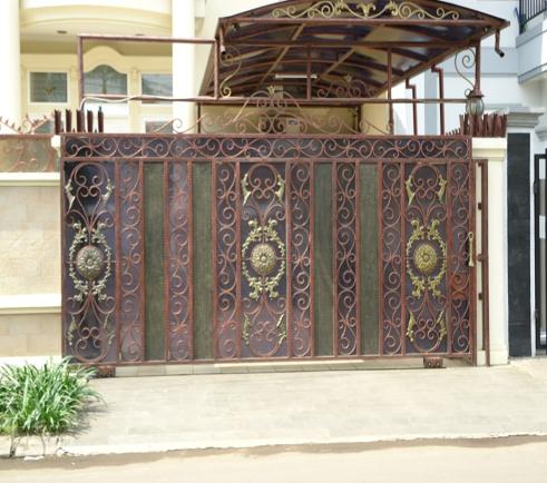 desain pintu gerbang lipat: Desain pintu gerbang lipat membuat pintu pagar minimalis yang
